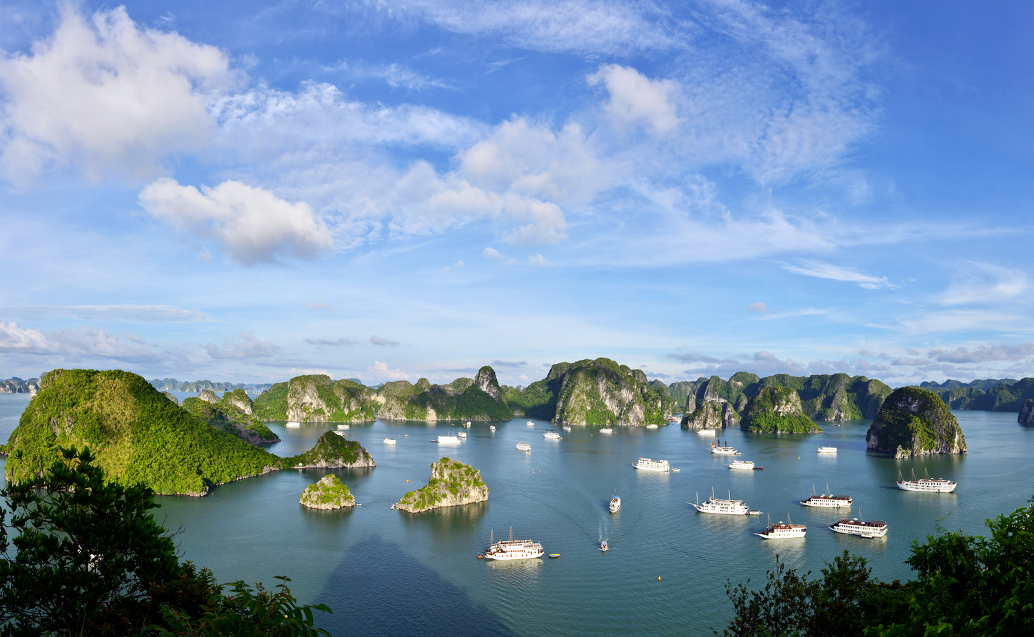 GROUP TOUR NORTH VIETNAM   5 DAYS 4 NIGHTS